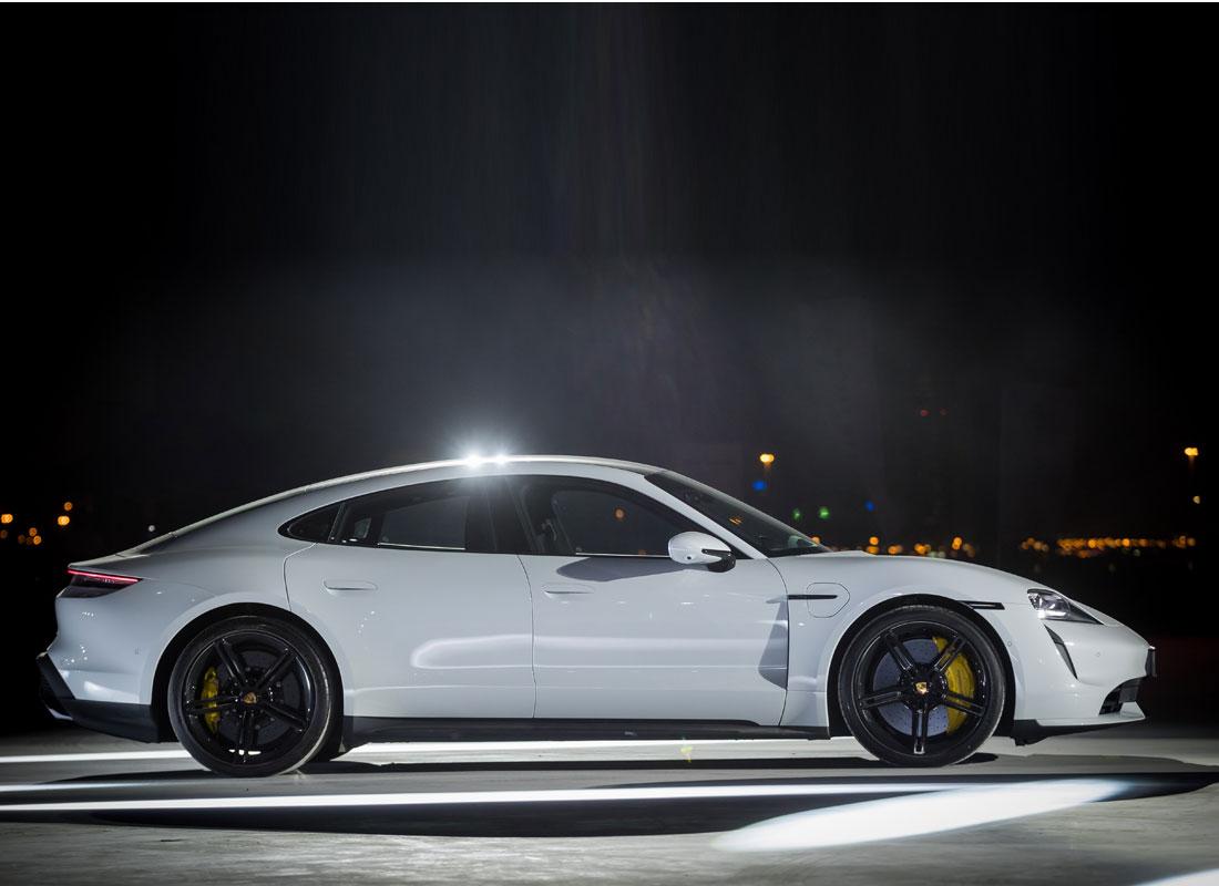 Porsche-Taycan-Soul-Eelectrified